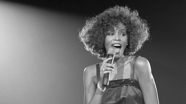 whitney houston, singing