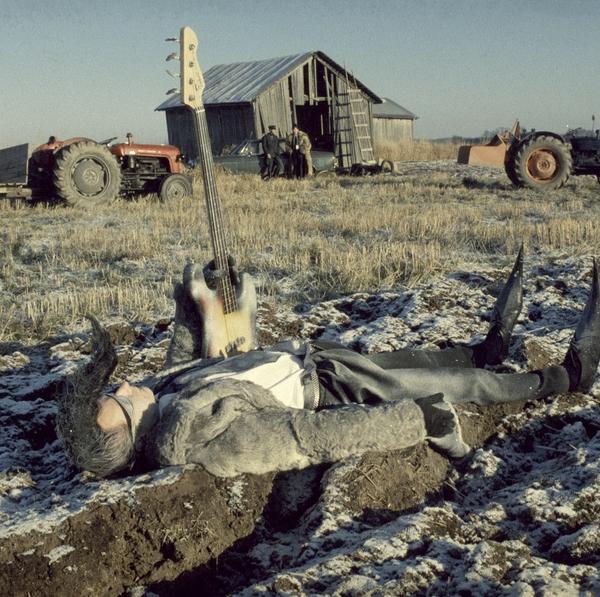 Shorts2Features: Leningrad Cowboys Go America